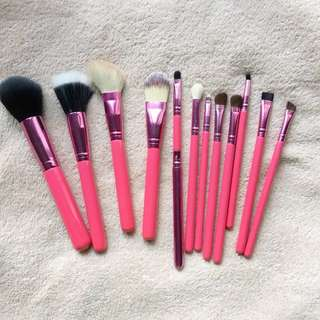 BRAND NEW (Orig. 1,500 php) - 12 pc Brush Set