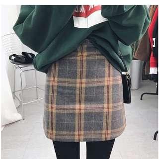 🚚 轉賣 Tirlo 格紋 毛呢 短裙