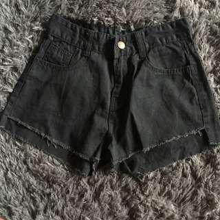 🌧$4 SALE🌧 Black denim shorts