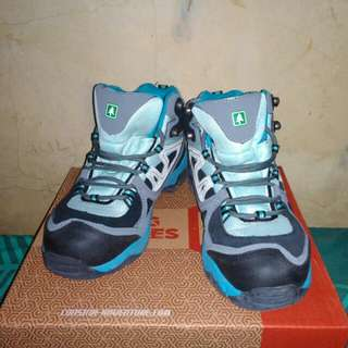 Sepatu consina women series