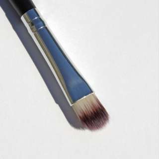 BN SMALL FLAT SHADER BRUSH E122