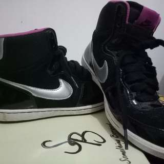 Nike High Cut Sneakers (Limited Edition)