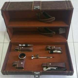 Wine holder box set (inc. accs and hold 2 bottles)
