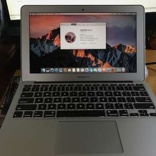 MacBook Air 11吋 128GB SSD 4GB ram