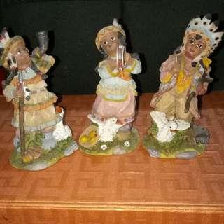 Patung pajangan antik