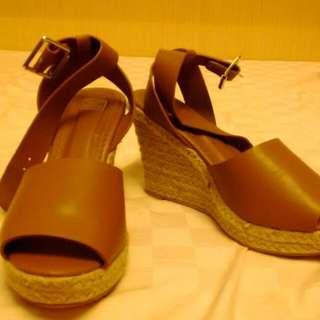 Pazzo 駝色 楔形 鞋