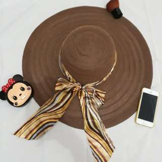 Topi pantai (Coklat)