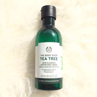 The Body Shop Tea Tree Oil Skin Clearing Mattifying Toner