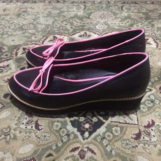 Black with pink tie shoes