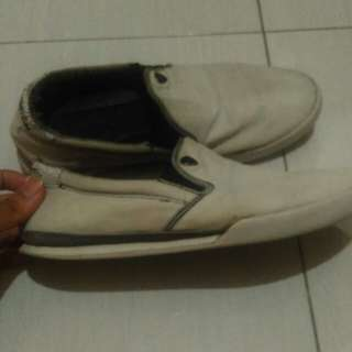Macbeth mcqueen white