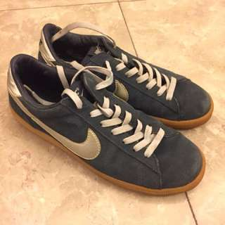 Nike blue suede sneakers shoes US9