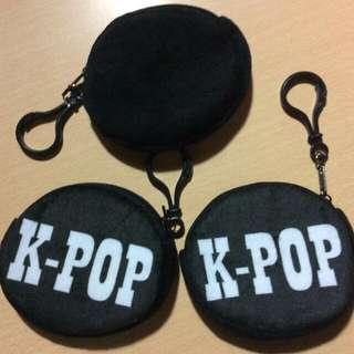"""""""K-POP"""" printed na black wallet"""