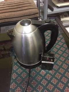 1.8L 水煲