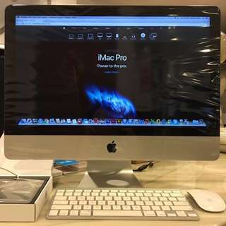 Apple iMac 21.5 inch with preinstalled Adobe softwares and Apple Superdrive