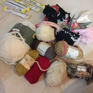 Balls of yarn ( big one from Australia )
