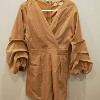 Sand brown bubble sleeve romper