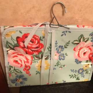 Cosmetic & washroom bag 1
