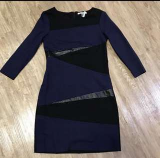 """🈹 DKNYC navy, black, and faux black leather color , 👍💃🏻cutting 非常靚,穿上非常瘦身,只穿著兩次,已乾洗👗size 6 :Bust 35"""", Waist 27.5 , Hips 38 (inch)"""