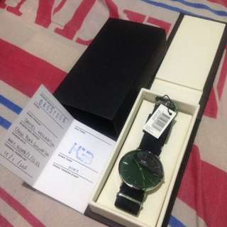 Want To Sale Daniel Wellington