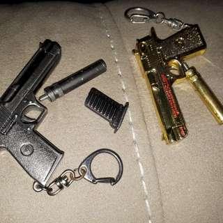 2 pcs gun keychain wd accessories