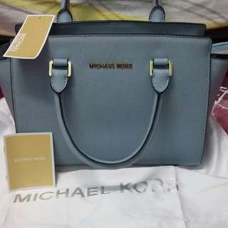 Michael kors selma saffiano leather