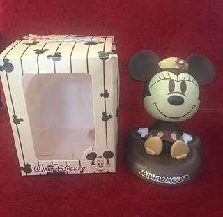 Pajangan mobil minnie mouse waltdisney