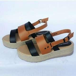 Sepatu sendal wanita