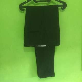 Celana Bahan Hitam (Skinny)