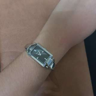 Wrist watch/ formal watch