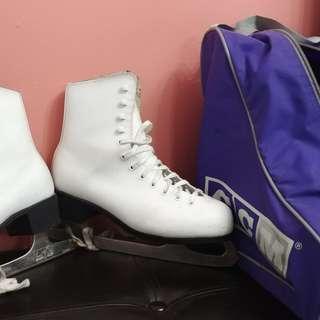 Women's size 8 skates