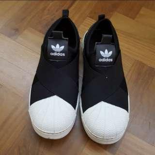 NA adidas black sneaker, slip on