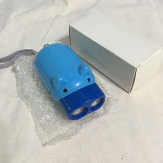 豬仔手壓式發電手電筒