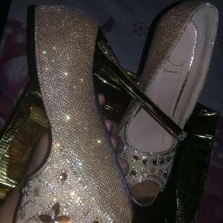 High heels flower gold
