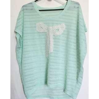 🚚 翠綠白蝴蝶結罩衫上衣