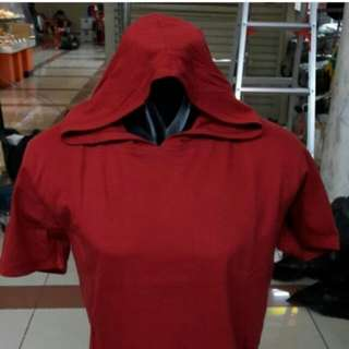 Kaos kupluk merah L
