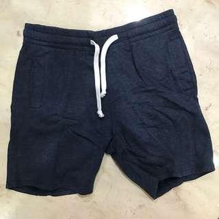 HnM celana pendek karet