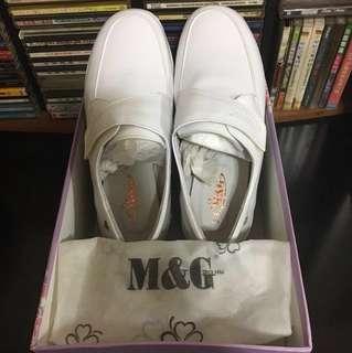 🚚 全新M&G美而堅護師鞋CM-3005附鞋盒、防塵袋(含運可議價)