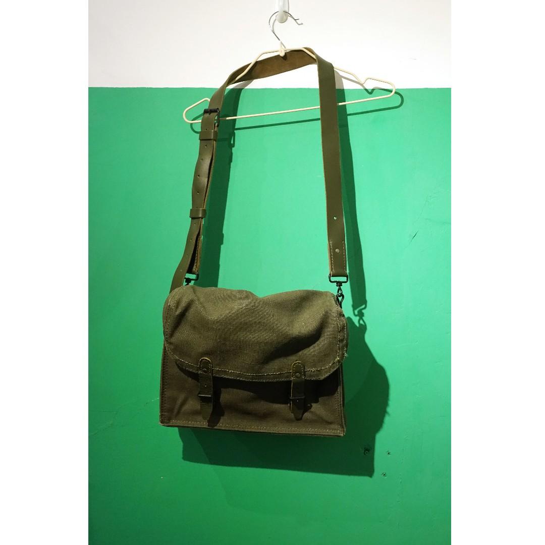 軍用牛皮斜孭袋