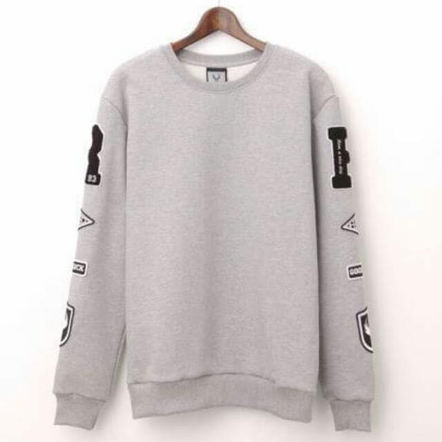 收 REMIX 13 A/W R Patch Sweater