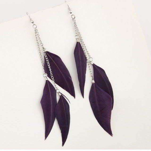 anting panjang ungu
