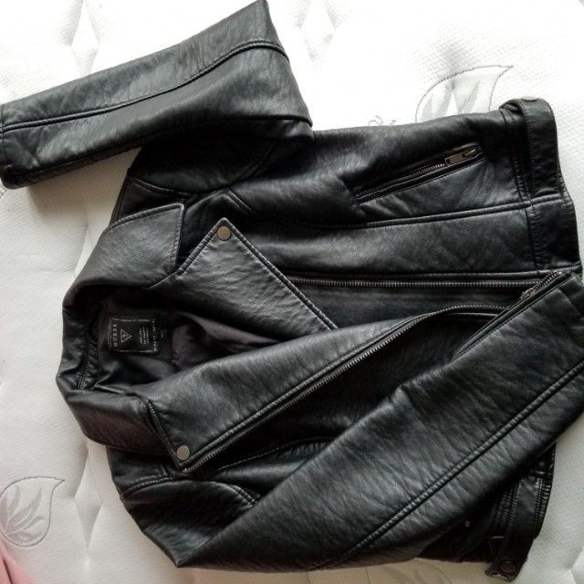 Authentic GUESS leather jacket Large