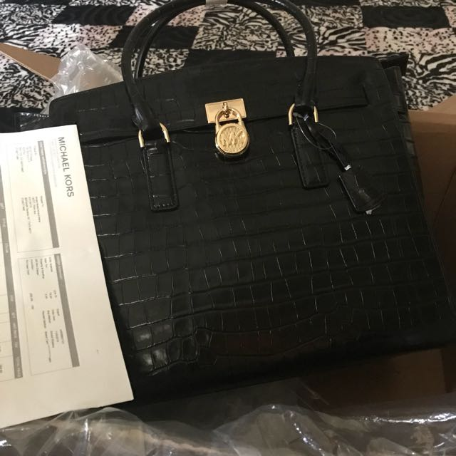 498c57dc31fe AUTHENTIC MICHAEL KORS HAMILTON EMBOSSED-LEATHER WEEKENDER, Women's  Fashion, Bags & Wallets on Carousell