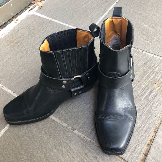 Black leather boots 37