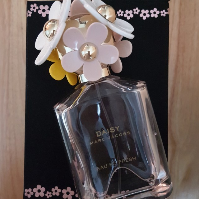 Daisy by Marc Jacobs Eau so Fresh perfume