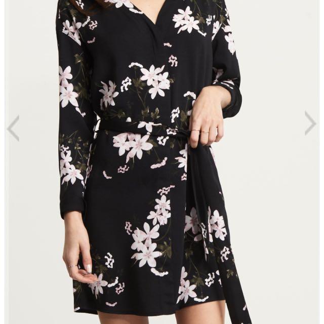 Dynamite 2018 dress size xl worn once