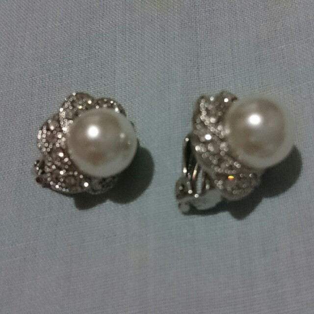 Elegant Clip Pearl Earrings