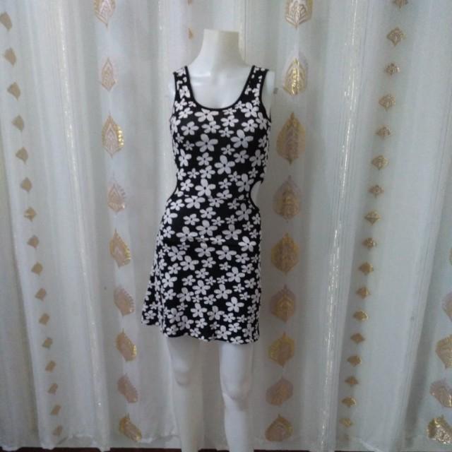 Folded&Hung dress