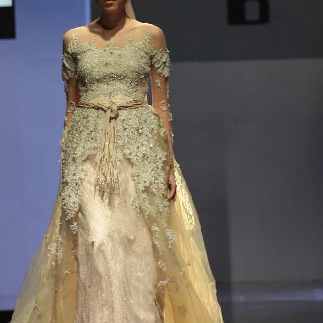 Gaun pengantin cantik brokat payet