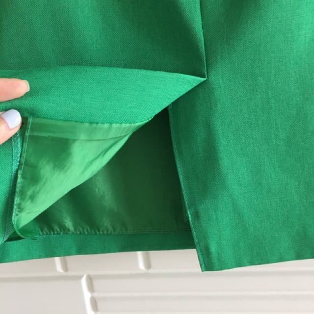 ec9ac2a6f80b Green Korean pencil Work Skirt Korea Size M, Women's Fashion, Clothes,  Dresses & Skirts on Carousell
