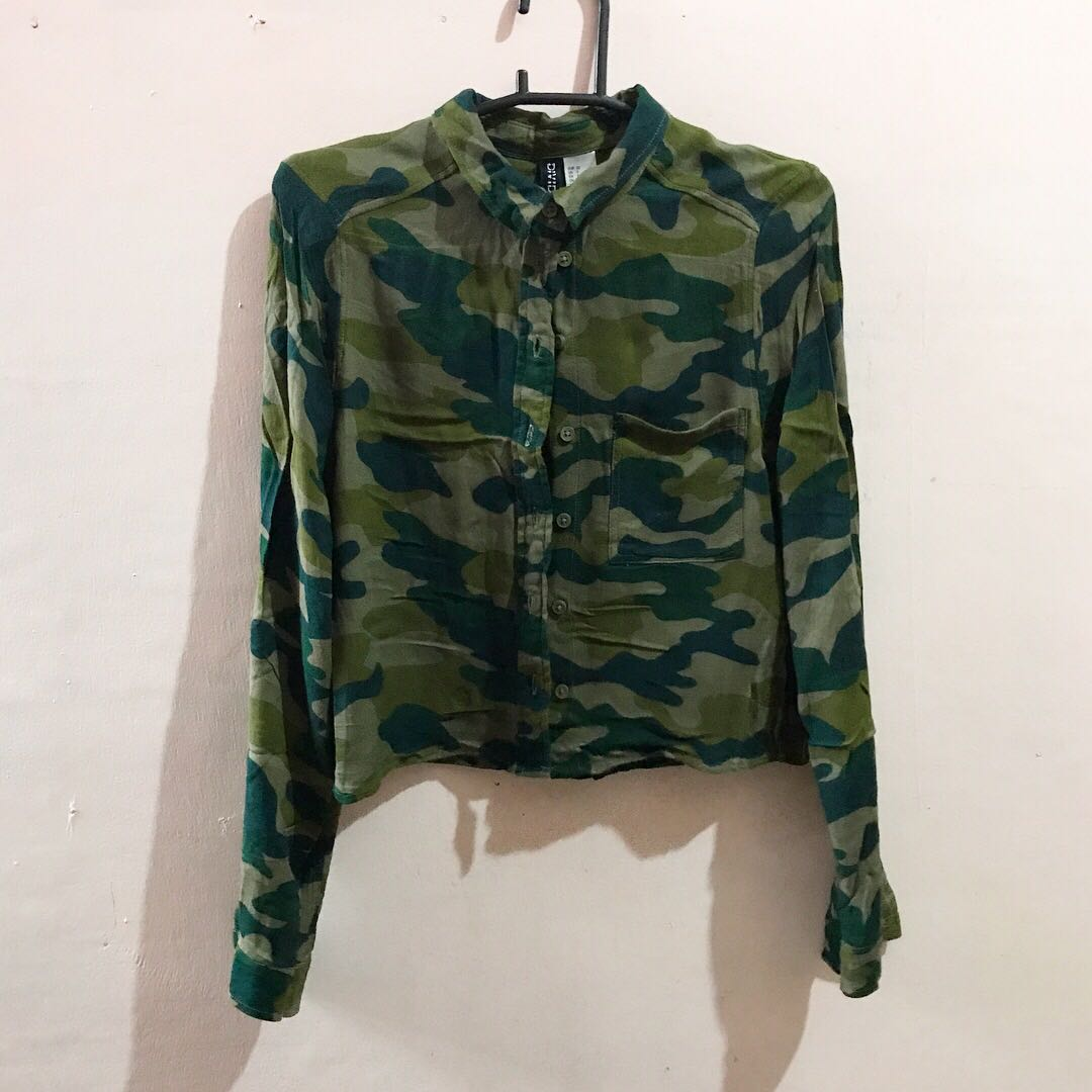 H&M Cropped Army Green Polo